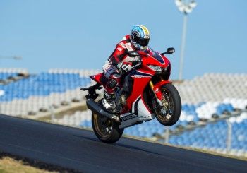 Honda CBR 1000 Fireblade SP 1 & 2 Review