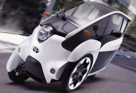 Toyota i-ROAD: Car with Motorcycle Taste